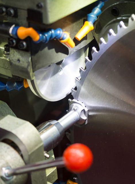 Saw blade Resharpening service
